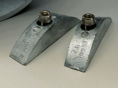 Volvo Penta 2 part Zinc hub Anode for older type 2 blade folding propeller on a shaft, Part Number 852018